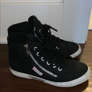 Distressed black high top Supergas